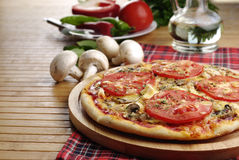 Пицца с грибами Стоковое Изображение RF