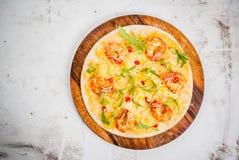 Пицца с креветками креветок стоковое изображение rf