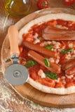 Пицца с frankfurters Стоковое Изображение