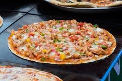 Пицца цыпленка и перцев Стоковые Изображения