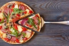 Пицца. Стоковое фото RF