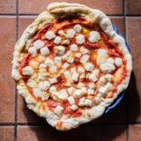 Пицца Margherita в Неаполе Стоковое Изображение