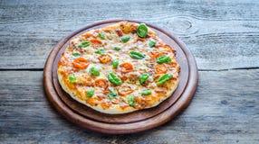 Пицца Margherita домодельное Стоковая Фотография RF