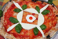 пицца mozzarella стоковая фотография rf