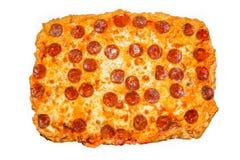 пицца pepperoni путя клиппирования изолированная изображением Стоковые Изображения