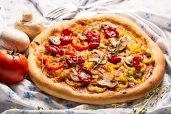 Пицца Vegan с овощами стоковое фото