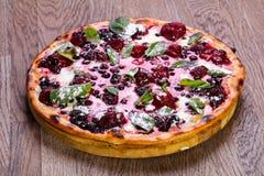 Пицца vegetarin плодоовощ стоковое изображение rf