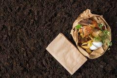 Пищевые отходы компост от пищевых отходов контроль за состоянием окружающей среды стоковые фото