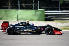 Пилот Pietro Fittipaldi V8 формулы в действии Стоковые Фото