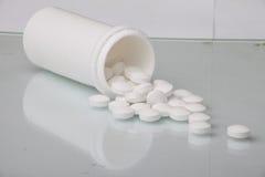 Пилюльки антибиотика таблетки медицины Стоковая Фотография RF