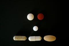 Пилюльки лекарства формируя плоскую сторону Стоковые Изображения RF