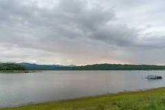 Плавать в озеро Стоковое Изображение