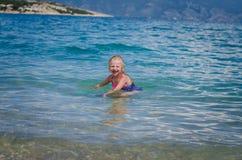 Плавать в хорватском море стоковое изображение rf