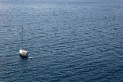 Плавать на затишье и красивом море Tyrrenian Стоковая Фотография