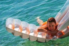 плавать Стоковые Фотографии RF