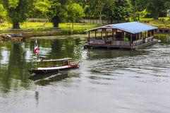 Плавая рестораны в Таиланде Стоковая Фотография