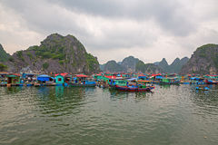 Плавая рыбацкий поселок Стоковая Фотография RF