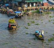 Плавая рынок в перепаде Меконга, Вьетнам Стоковые Изображения