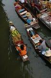 плавая рынок Стоковая Фотография