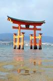 плавая torii стоковое изображение rf