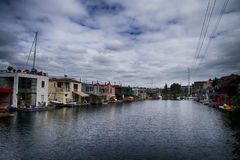 Плавучие дома на соединении озера Стоковое фото RF
