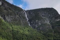 Плавя снег делает водопады стоковая фотография rf