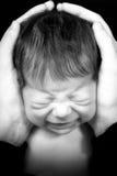 плакать newborn Стоковая Фотография