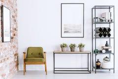 Плакат в интерьере живущей комнаты стоковое изображение rf