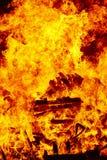Пламена огня на костре Аварийная ситуация пожарного Сгорание опасности иллюстрация штока