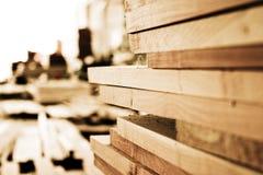 планки штабелировали деревянное Стоковое фото RF