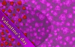 План для поздравительных открыток печатает с розовыми предпосылкой и сердцами Стоковое фото RF
