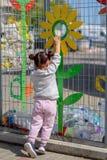 Пластиковая свободная, спасительная концепция планеты Схематическое изображение для анти- пластиковой кампании стоковые изображения
