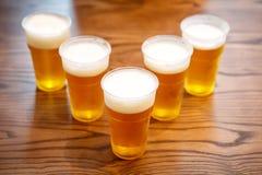 Пластичные чашки pong пива, взгляд сверху Стоковые Изображения RF