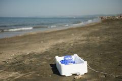 Пластмасса, белизна, контейнер стиропора стоковая фотография rf