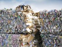 пластмасса задавленная контейнерами Стоковое Изображение