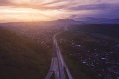Платная дорога Ungaran на времени восхода солнца стоковое фото