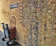Платформа 9 3/4 Гарри Поттера, Лондон стоковое изображение rf