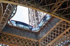 Платформа замечания первого уровня Эйфелева башни встрещено стоковые изображения