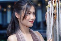 Платье Таиланда традиционное, красивая тайская девушка в традиционном костюме платья Стоковое Изображение