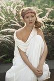 платья девушки белизна outdoors Стоковые Изображения