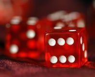 плашки играют красный цвет к Стоковые Изображения