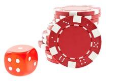 плашки кубика обломоков изолировали красный цвет покера Стоковая Фотография RF