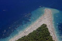 плаща-накидк пляжа золотистая Стоковая Фотография RF