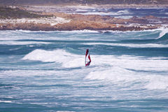 плаща-накидк с windsurfer пункта Стоковые Фотографии RF