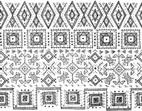 Племенная черно-белая безшовная картина индийский или африканский этнический стиль штемпеля Нарисованное вручную изображение вект Стоковая Фотография RF