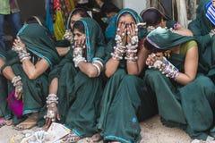 Племенные девушки в Bhagoriya Стоковое Фото