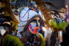 Племенные костюмы в параде масленицы стоковая фотография