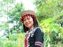 Племя Lahu с племенными костюмами стоковое изображение