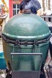 плита барбекю Kamado-стиля зеленый стоковая фотография