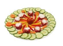 Плита вполне с свежими овощами стоковое изображение